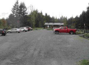 parking-lot-at-glenora-trails-head-park